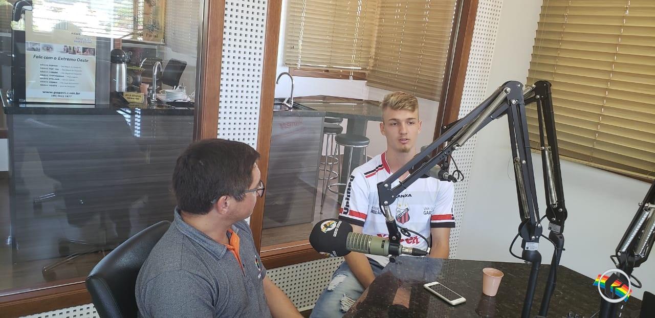 Zagueiro do Ituano na Copinha participa do Show de Bola na Rádio Itapiranga