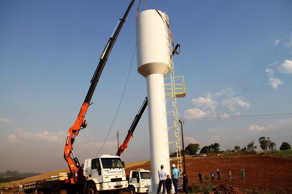 Reservatório de 14,5 metros de altura é instalado no interior de Itapiranga