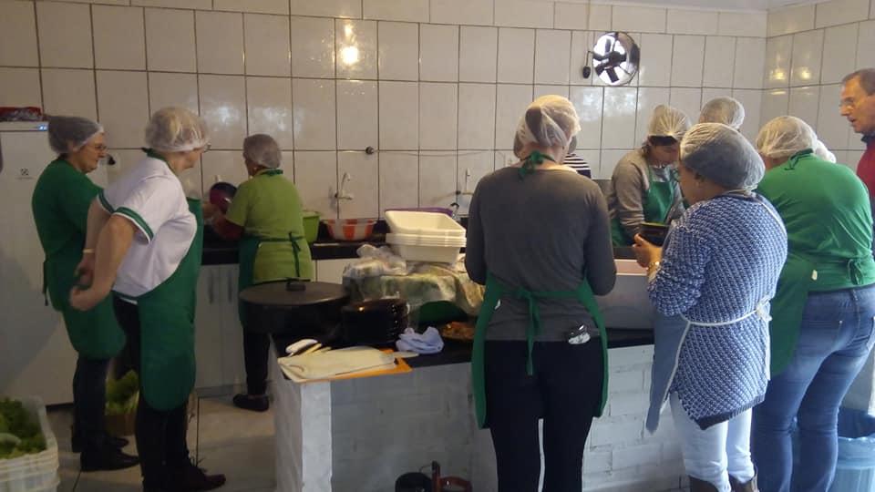 Almoço do Pro Menor reúne grande público