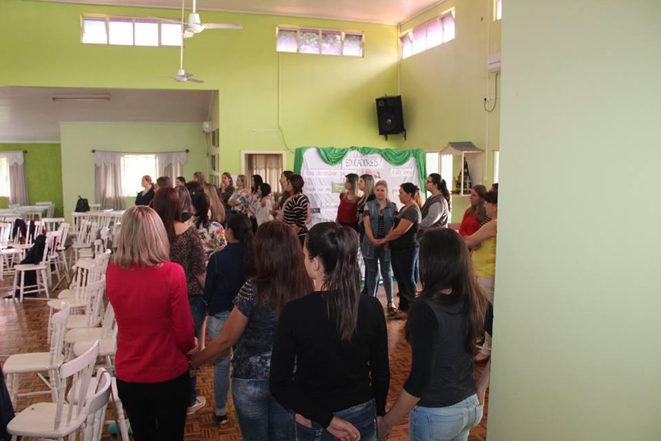 Profissionais da educação infantil participaram de capacitação