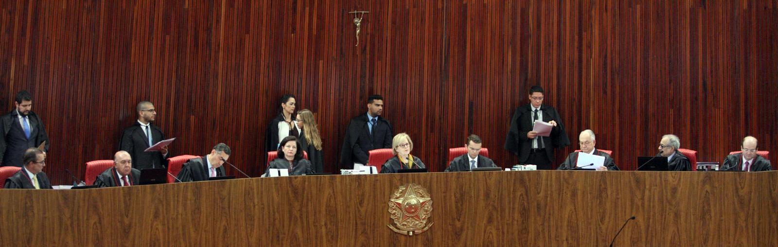 TSE barra candidatura de Lula com base na Lei da Ficha Limpa
