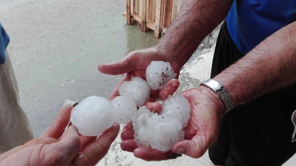São João do Oeste e Mondaí registram estragos após chuva de granizo