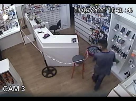 VÍDEO: Polícia Militar prende autor de furto e recupera celular em SMOeste