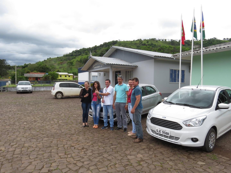 Governo de Barra Bonita adquire dois novos veículos