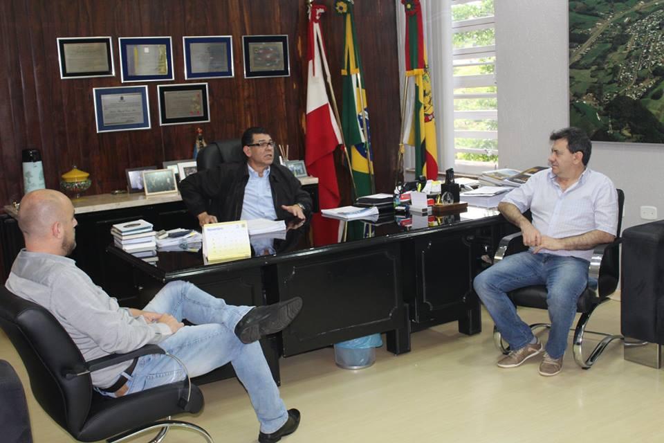 Acisc/CDL coleta assinaturas para municipalização de licenças ambientais