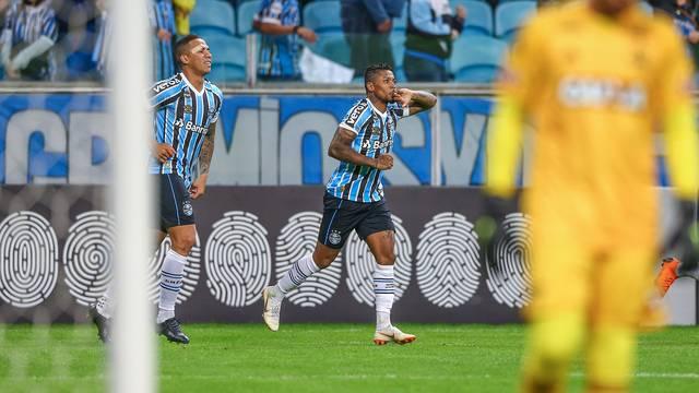 VÍDEO: Jogando na Arena, Grêmio vence o Flamengo pelo Brasileirão