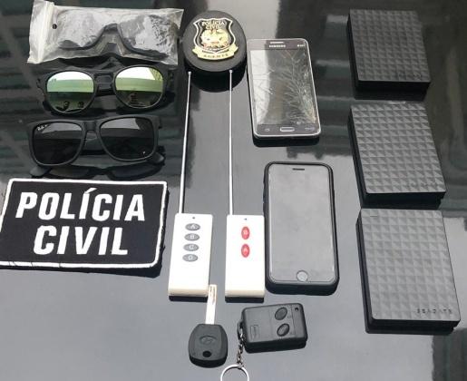 """Suspeitos de praticar furtos com """"chapolim"""" são presos em flagrante"""