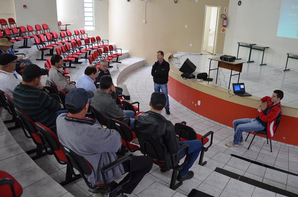 Conselho agrícola de Guaraciaba debate programa de silagem para 2019