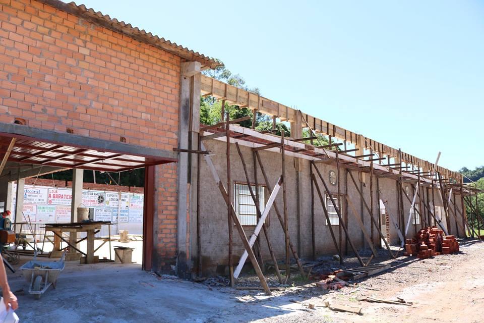 Prefeitura investe em melhorias em centros comunitários