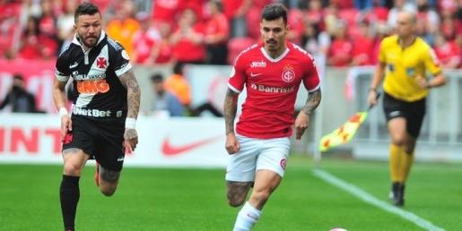 Inter falha na defesa e perde para o Vasco no Beira-Rio