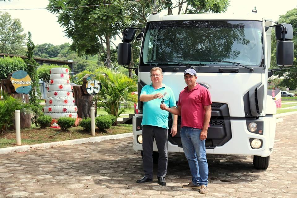 Município recebe recursos e aquire novo caminhão caçamba