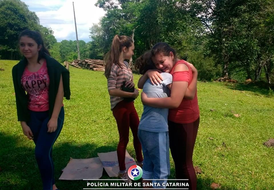 Alunos da Patrulha Escolar participam de acampamento em Descanso