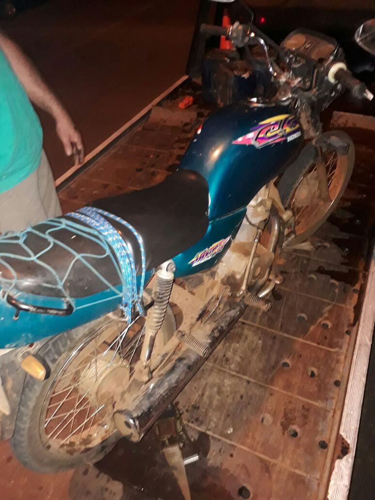 Homem com mais de 20 passagens policiais é preso embriagado e com moto adulterada