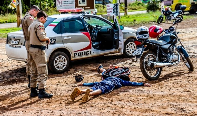 Menor argentino é flagrado com motocicleta furtada em Dionísio Cerqueira