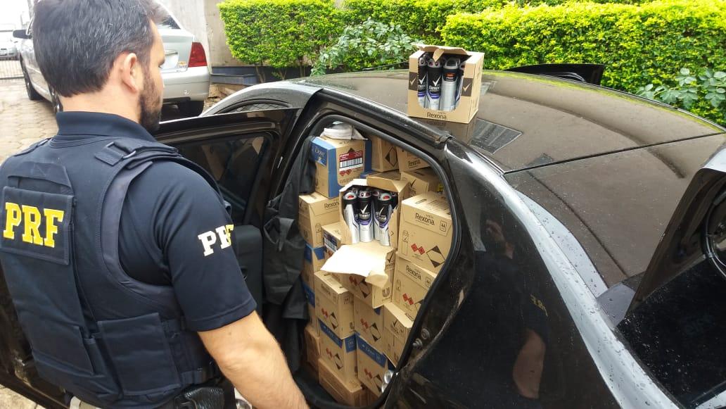 Polícia apreende carga de mercadorias irregulares