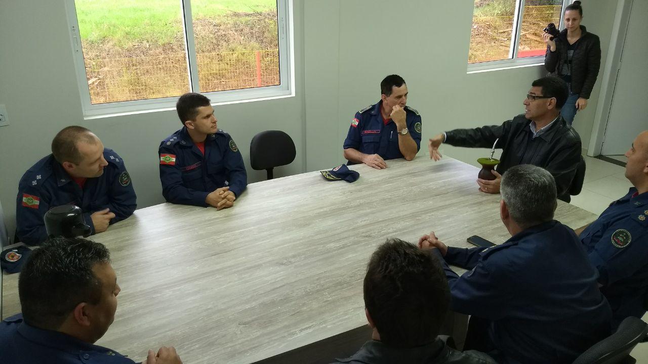 Inauguração do novo quartel do Corpo de Bombeiros é debatida em encontro