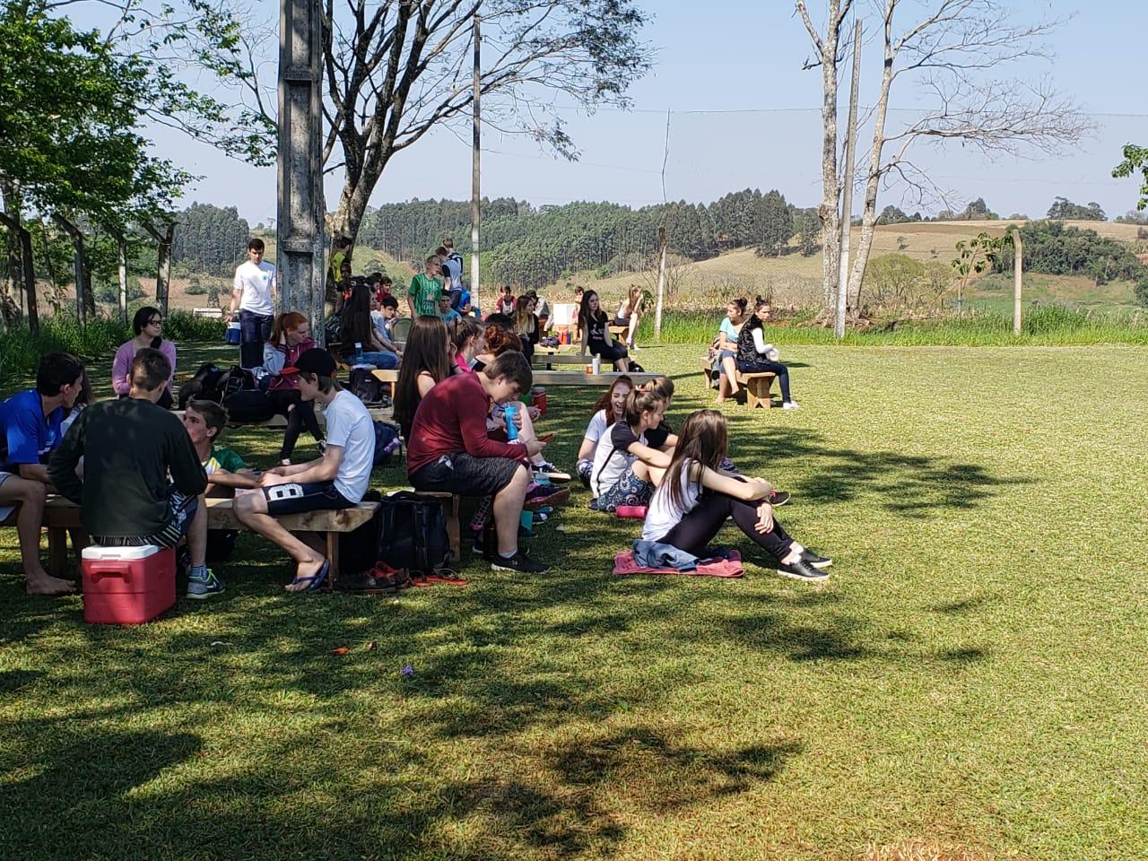 Escola Padre Vendelino Seidel promove gincana com estudantes