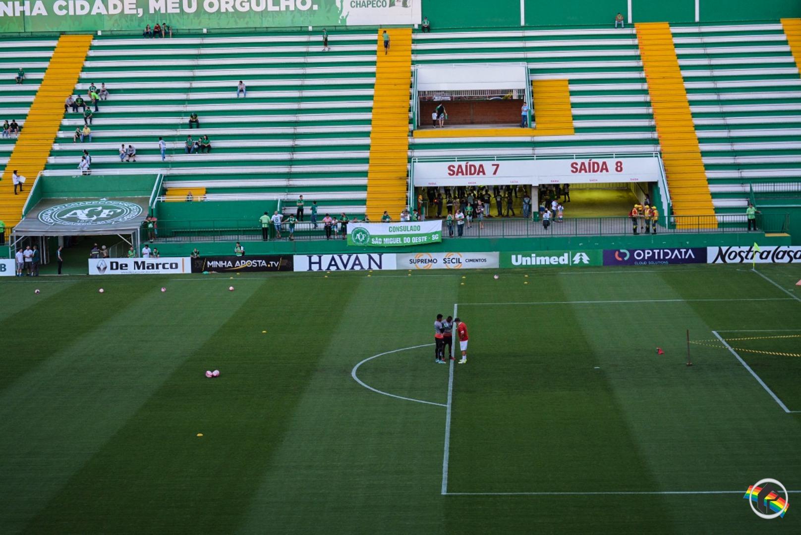 Chape vence o Hercílio Luz e garante vaga na final do Catarinense
