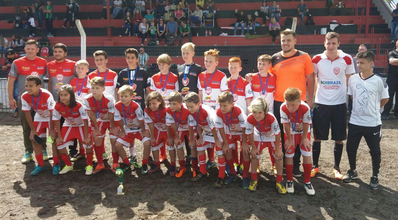 Equipe de Campo Erê se destaca em competição regional