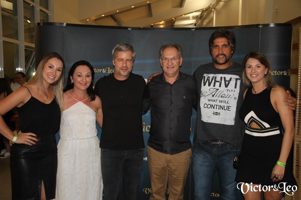 Veja as fotos do show com Victor e Leo em São Miguel do Oeste