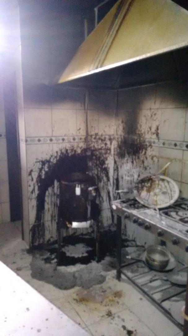 Frigideira elétrica provoca princípio de incêndio em restaurante da Esquina Gaúcha
