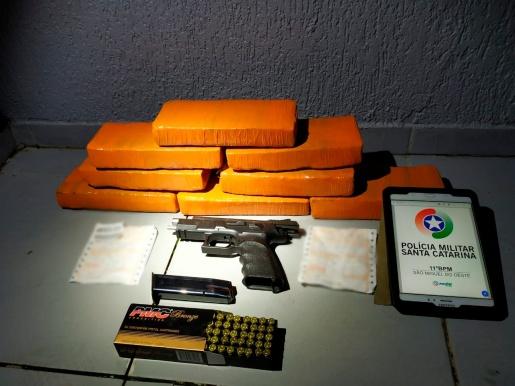 Polícia Militar apreende drogas e arma em Maravilha