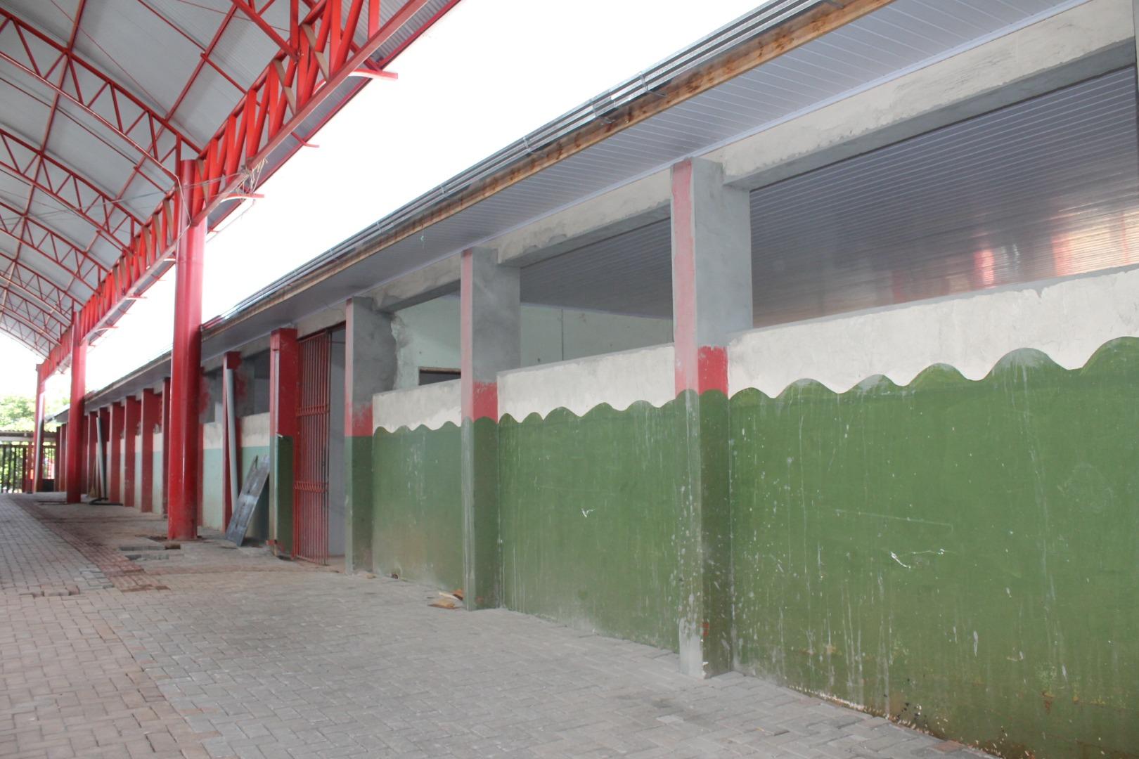 Gerência usa recesso para reformas e manutenção de escolas