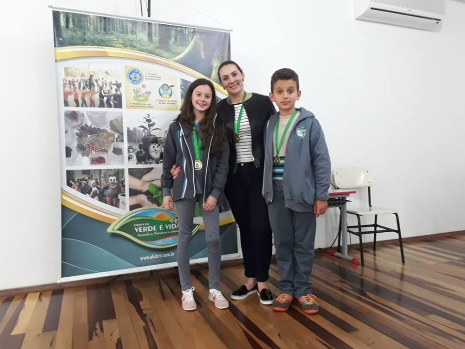 Alunos de Princesa comemoram a conquista do prêmio do Projeto Verde é Vida