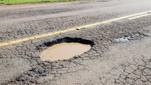 Vídeo: Buracos na SC 386 de Iporã do Oeste a Mondaí causam diversos transtornos aos motoristas