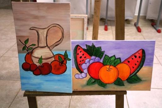 """Alunos realizam trabalhos de pintura em tela com o Tema """"Natureza Morta"""""""