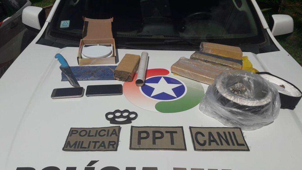 Mulher é presa e menor apreendido durante operação de combate ao tráfico de drogas