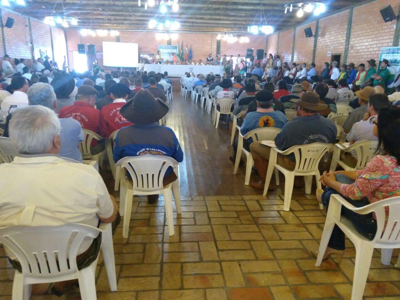 Patrões de CTGs da região participam do 14ª Congresso Tradicionalista Barriga Verde