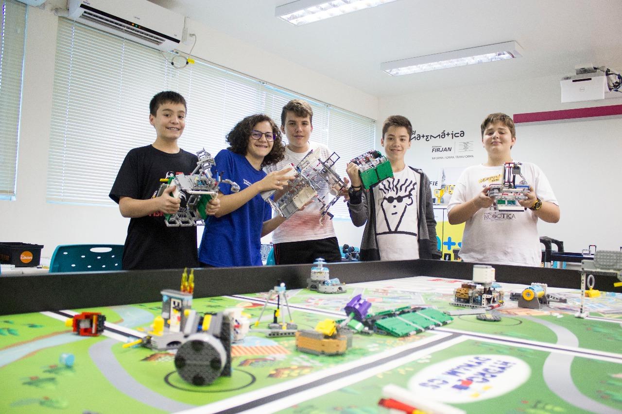 Alunos de São Miguel representam SC em torneio nacional de robótica