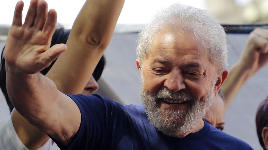 Maioria no STJ reduz pena e Lula pode pedir semiaberto em setembro