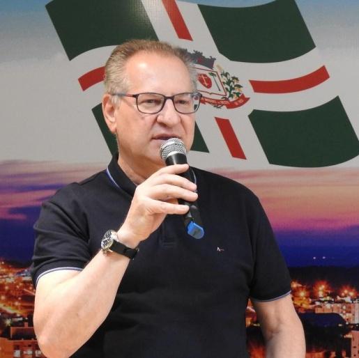 Prefeito pede a presidente que legislativo faça devolução mensal de sobras