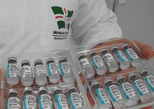 Público vacinado em 06 de abril receberá segunda dose a partir desta quarta-feira
