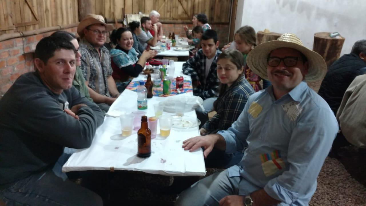 Associação dos técnicos agrícolas promove festa junina