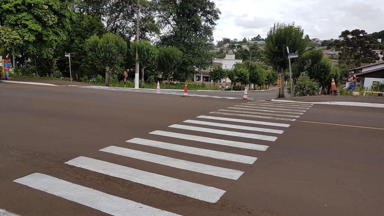 Pintura de faixas de segurança terá sequência nos próximos dias