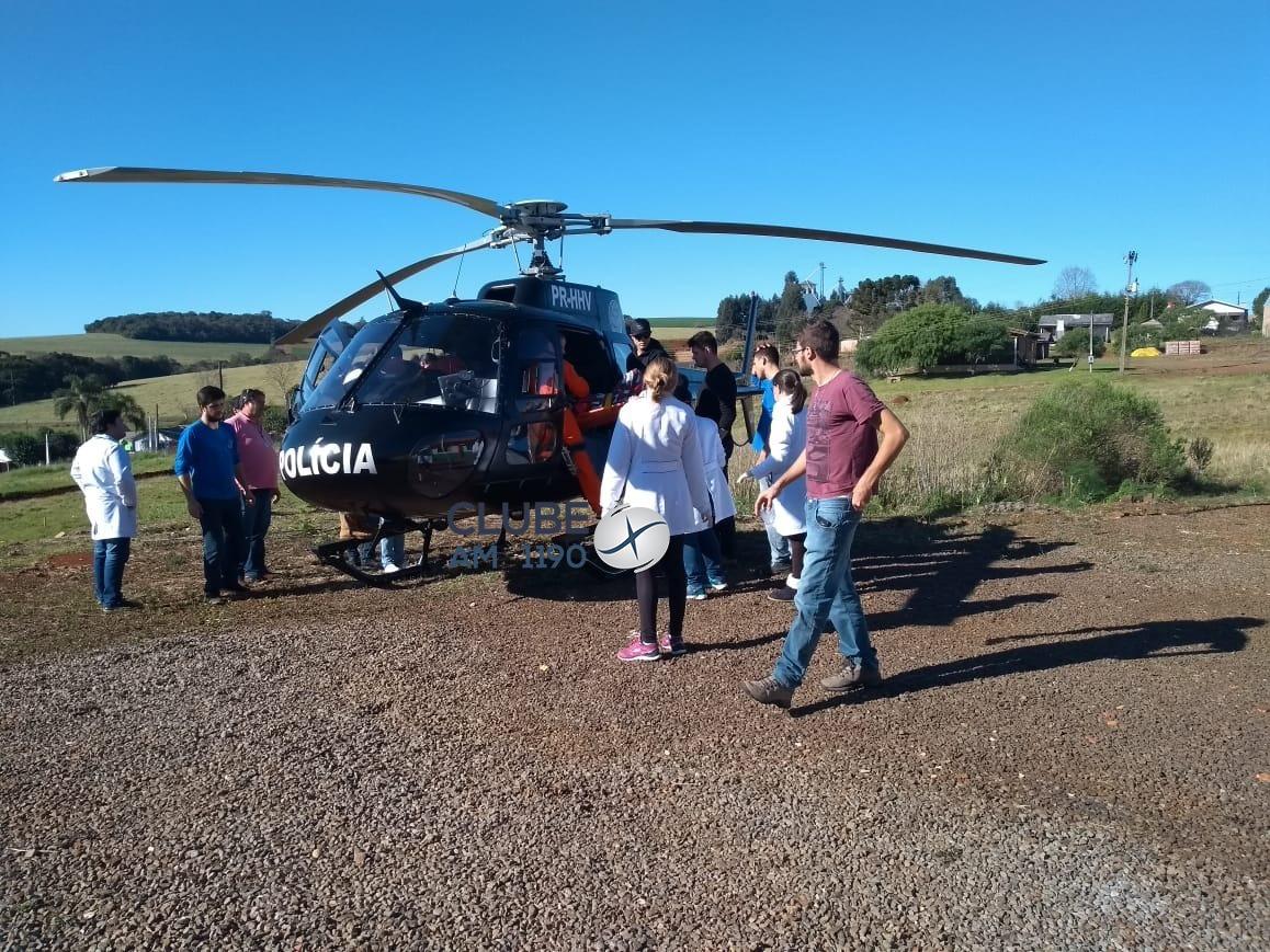 Helicóptero transfere vítima em estado grave após acidente de trabalho