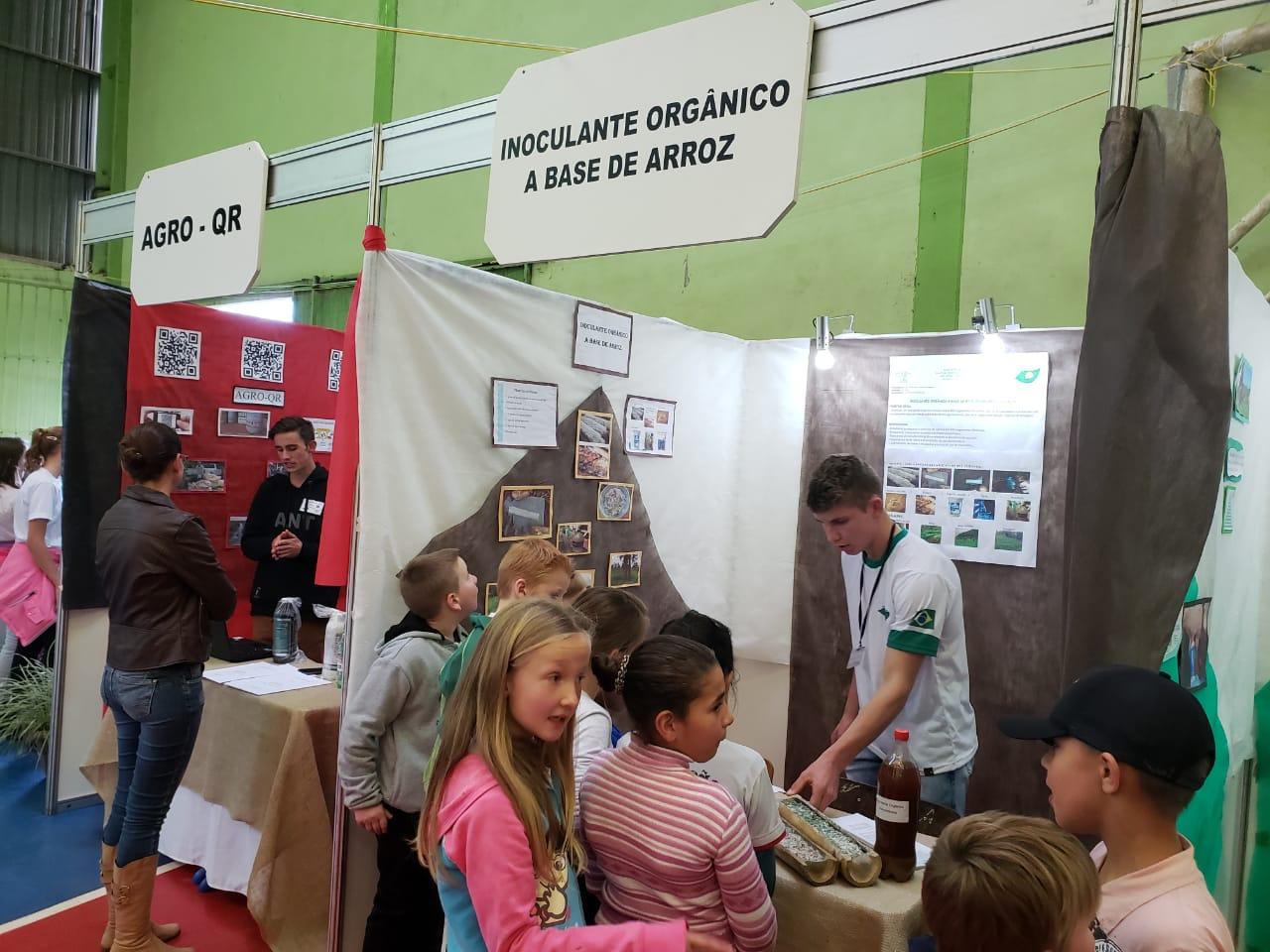 Escola de Cristo Rei sedia 8ª Feira Regional do Conhecimento