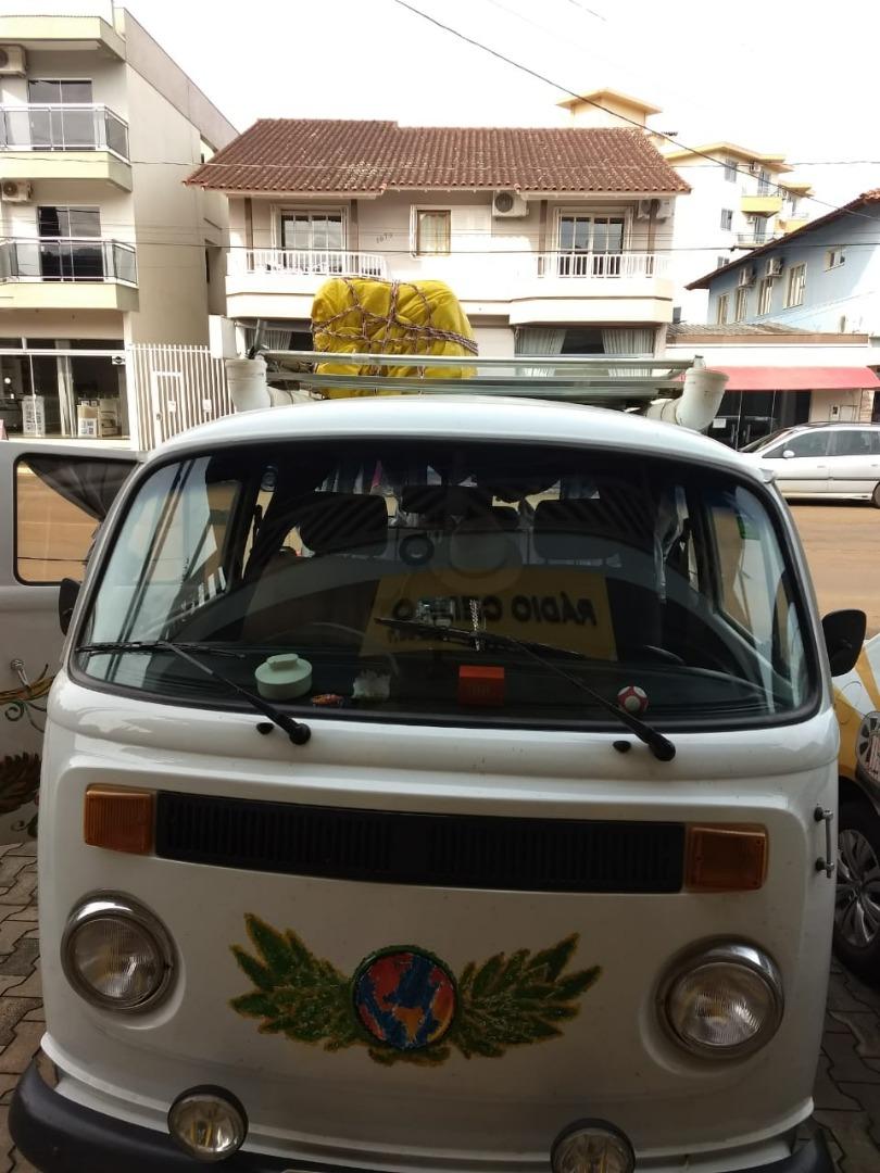 Casal catarinense que viaja América do Sul de Kombi visita São José do Cedro