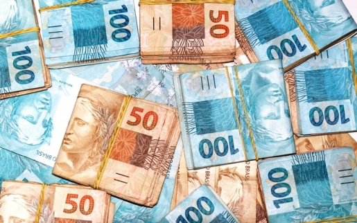 Pesquisa aponta que guardar dinheiro é a principal meta do brasileiro para 2020