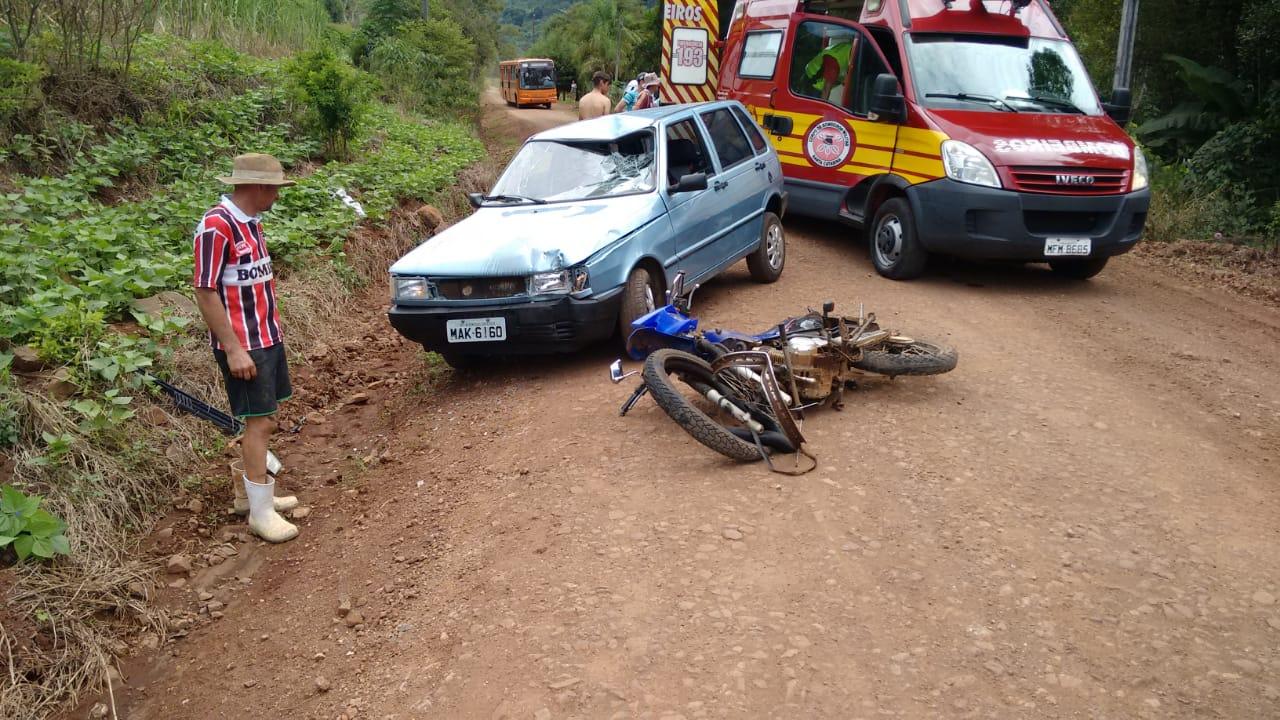 Motociclista sofre ferimentos graves em colisão frontal no interior de Iporã do Oeste