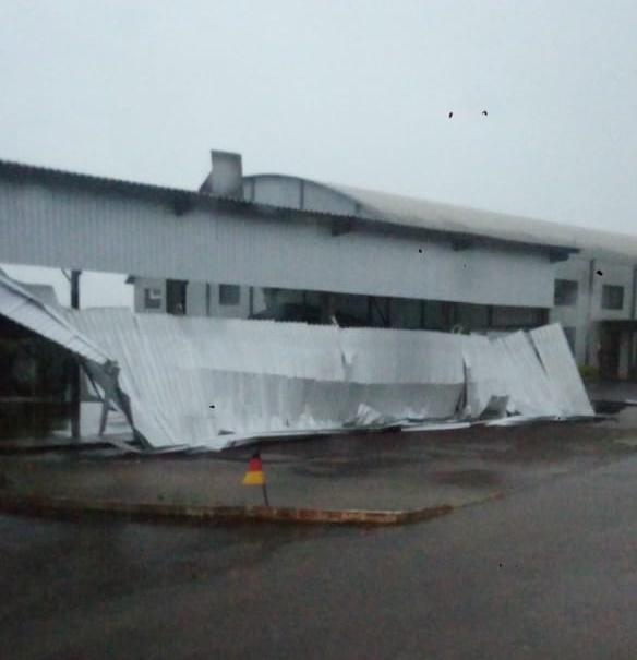 Temporal causa estragos na Escola de Beato Roque e aulas estão suspensas