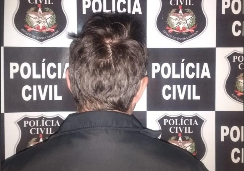 Homem considerado chefe do tráfico de drogas em Pinhalzinho é preso