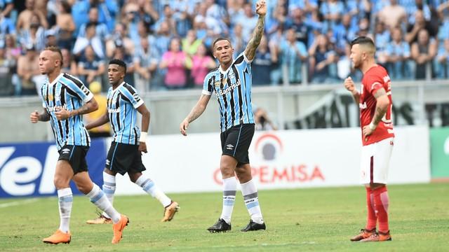 Grêmio goleia o Inter na Arena e encaminha classificação