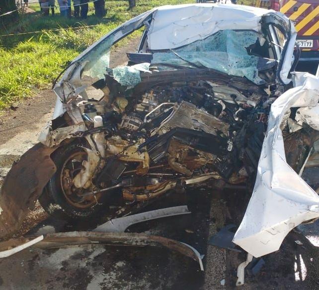 Casal morre em colisão frontal na BR-282 em Pinhalzinho