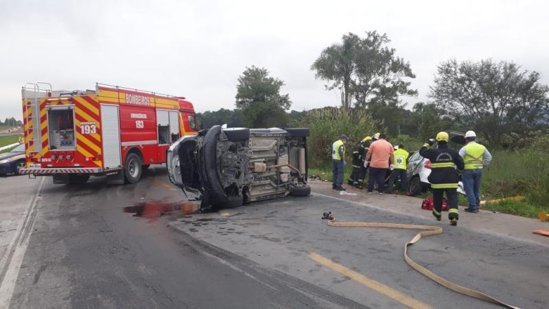 Cinco pessoas morrem em acidentes nas rodovias de SC durante o final de semana