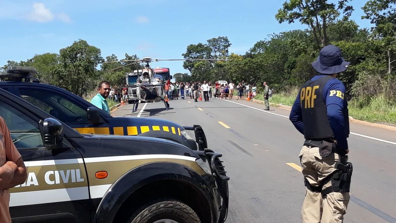 Acidente mata 13 pessoas e deixa quase 40 feridos em Minas Gerais