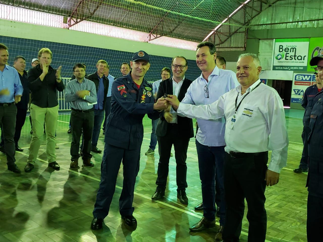Corpo de Bombeiros de Iporã do Oeste promove solenidade de entrega de viaturas e equipamentos